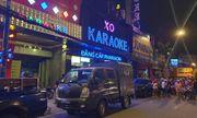 Hàng chục công an phong tỏa, khám xét quán karaoke của đại gia Phúc XO lúc nửa đêm