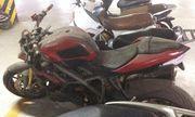 Dân chơi xe tiếc nuối khi thấy Ducati Streetfighter hơn nửa tỷ để phủ bụi ở Hà Nội