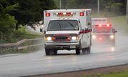 Hi hữu: Xe cứu thương vô tình vấp phải ổ gà, tim bệnh nhân đập trở lại