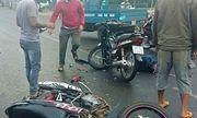 Hai xe máy đối đầu, 2 người thương vong