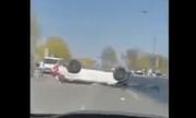 Video: Kinh hoàng cảnh nữ tài xế đạp nhầm chân ga khiến ôtô