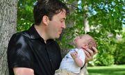 5 bước huấn luyện chồng lười thành ông bố đảm đang