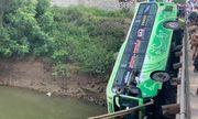 Tin tức tai nạn giao thông mới nhất hôm nay 5/6/2019: Xe khách lao xuống sông, 9 người thương vong