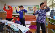 Những cụ bà 70 tuổi mới bắt đầu đi học vỡ lòng ở Hàn Quốc