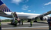 Máy bay Mỹ chở 166 hành khách gặp sự cố, trượt khỏi đường băng