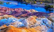 Cận cảnh bãi đá tự biến đổi màu sắc có lịch sử triệu năm ở Trung Quốc