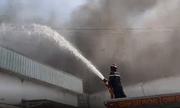 Video: Cận cảnh vụ nổ lớn tại một nhà kho trong KCN ở Bình Dương