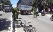 Băng qua dải phân cách, người phụ nữ bị xe tải tông tử vong tại Ninh Thuận