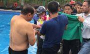 Giải cứu bé gái 4 tuổi mắc kẹt cánh tay trong ống nước tại bể bơi ở Hà Nội