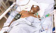 Xót xa cảnh cha bị tai nạn giao thông nghiêm trọng, bé trai 3 tuổi bơ vơ tại bệnh viện
