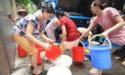 Nước sông Đà xuống thấp, người dân Hà Nội đối mặt nguy cơ thiếu nước sạch