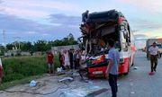 Vụ xe du lịch đâm xe container: 14 nạn nhân được chuyển ra Hà Nội điều trị