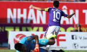 Vòng 14 V-League: Văn Quyết tỏa sáng, Mạnh