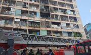 Toàn cảnh vụ cháy ký túc xá tại TP.HCM, hàng chục sinh viên mắc kẹt, chờ giải cứu