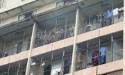 Nhiều sinh viên mắc kẹt, chờ giải cứu trong đám cháy ký túc xá trường Cao đẳng kỹ thuật Cao Thắng