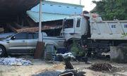 Bình Dương: Ô tô tải tông tử vong người đi xe máy rồi đâm sập nhà dân