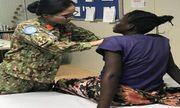 Cứu sống vợ con thống đốc ở Nam Sudan, bác sĩ Việt Nam được tặng món quà bất ngờ
