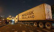Đà Nẵng: Mất lái, container lao qua dải phân cách, tông 4 người thương vong