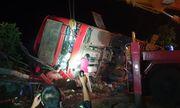 Đắk Lắk: Lật xe khách trong đêm, 1 người chết, hàng chục người bị thương
