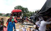 Video: Hiện trường vụ tai nạn kinh hoàng, 2 tài xế tử vong tại chỗ