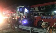 Xe khách đâm xe tải ở Nam Hải Vân, nhiều người thương vong