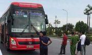 Thanh Hóa: Xe khách bị ném đá vỡ gương, hàng chục hành khách hoảng loạn