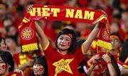 """Người Thái """"bắt chẹt"""" cổ động viên Việt Nam ở trận mở màn vòng loại World Cup?"""