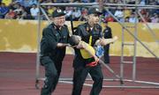 Vụ Đại úy CSCĐ dùng tay chèn miệng cứu bé trai trên sân Thiên Trường: Chia sẻ bất ngờ của người mẹ