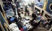 TP.HCM: Hỗn chiến kinh hoàng, hàng chục thanh niên xông vào nhà hàng đập phá