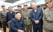 Ông Kim đích thân giám sát vụ thử tên lửa thứ 5 trong 2 tuần