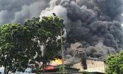 Hiện trường vụ cháy nhà xưởng rộng 1.000m2 tại khu công nghiệp Sài Đồng B