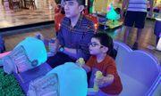 Những sao Việt làm cha khi tuổi đã lớn: Người phong độ ngời ngời, người miệt mài kiếm tiền nuôi con