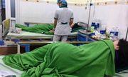 Đà Nẵng: Nhóm du khách nhập viện sau khi ăn bánh tráng thịt heo và bún mắm