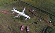 Phi công Nga hạ cánh khẩn cấp thần kỳ cứu 233 người được ca ngợi là anh hùng