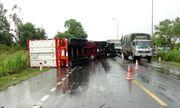 Tin tức tai nạn giao thông mới nhất hôm nay 17/8/2019: Lật xe container trên quốc lộ 1A đoạn qua Quảng Bình