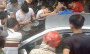 Tin tức thời sự mới nóng nhất ngày 17/8: Giải cứu bé trai bị bố bỏ quên trên ô tô