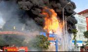 Bắc Giang: Siêu thị giá rẻ bất ngờ bốc cháy ngùn ngụt đầu giờ sáng