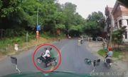 Video: Bỏ chạy khi gặp cảnh sát giao thông, tài xế xe máy suýt gây họa