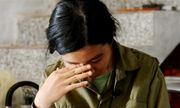 Nước mắt lăn dài trên tờ giấy báo nhập học của nữ sinh nghèo Hà Tĩnh
