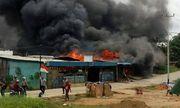 Indonesia: Bạo loạn dâng cao, dịch vụ Internet bị cắt, khẩn cấp điều động 1.200 cảnh sát