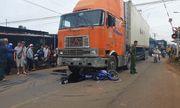 Tin tức tai nạn giao thông mới nhất hôm nay 24/8/2019: Trung úy bộ đội tử vong sau va chạm