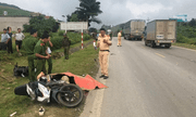 Tin tức tai nạn giao thông mới nhất hôm nay 28/8/2019: Xe tải tông liên hoàn 2 xe máy, 2 thanh niên thương vong