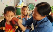 Cô giáo dành cả tuổi thanh xuân vì trẻ em nghèo: Những