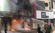TP HCM: Đập cửa giải cứu thai phụ trong đám cháy, một chiến sĩ cảnh sát bị thương