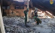 Vụ cháy Công ty Rạng Đông: Cận cảnh Binh chủng Hóa học lấy mẫu xét nghiệm tại hiện trường