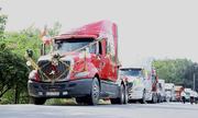9 xe đầu kéo xếp thẳng hàng vượt 70 km đi rước dâu: Hé lộ danh tính chú rể