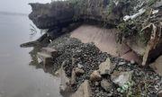 """Hà Tĩnh: Đê biển hơn 300 tỉ đồng sạt lở trơ """"hàm ếch"""" sau mưa lũ"""