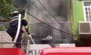 Cháy lớn căn nhà 5 tầng phố Núi Trúc, nam thanh niên 17 tuổi mắc kẹt được cứu thoát