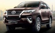 Toyota Fortuner sắp được trang bị màn hình cảm ứng mới tích hợp Apple CarPlay và Android Auto