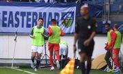 Đã khởi động nhưng Văn Hậu vẫn chưa có cơ hội ra sân ở trận Heerenveen - Utrecht